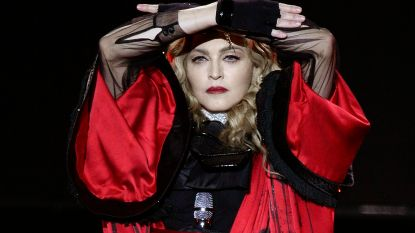 Wie z'n gsm nog wil pakken bij concert Madonna, vliegt buiten