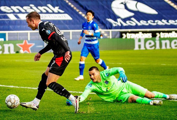 PSC- Zwolle-PSV Mario Gotze omspeelt keeper Zetterer en scoort zijn eerste goal voor PSV Foto ; Pim Ras