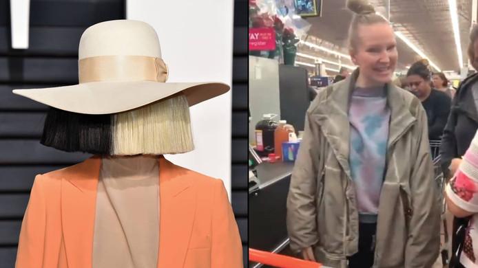 Sia paye les courses des clients du Walmart de Palm Springs en Californie.