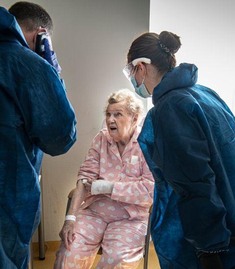 Op deze afdeling sterft bijna de helft van de patiënten, maar het personeel knokt door