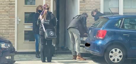 Mannen uit Deventer en Apeldoorn opgepakt; politie denkt dat ze mensen hebben opgelicht met valse cryptomunten