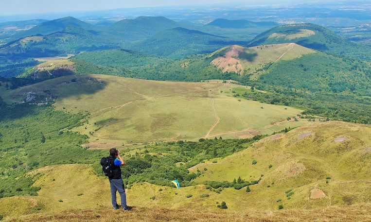 Vulkanische landschap in de Franse regio Auvergne. Beeld imco lanting