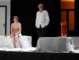 Nadat de voorstellingen in maart 2020 werden stilgelegd door corona: Theater VTV Ronse brengt Gif in CC Maskerade in Mater
