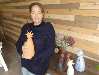 """Kathleen boetseert rouwbeeldjes: """"Binnenin is plaats voor briefjes aan verloren geliefden"""""""