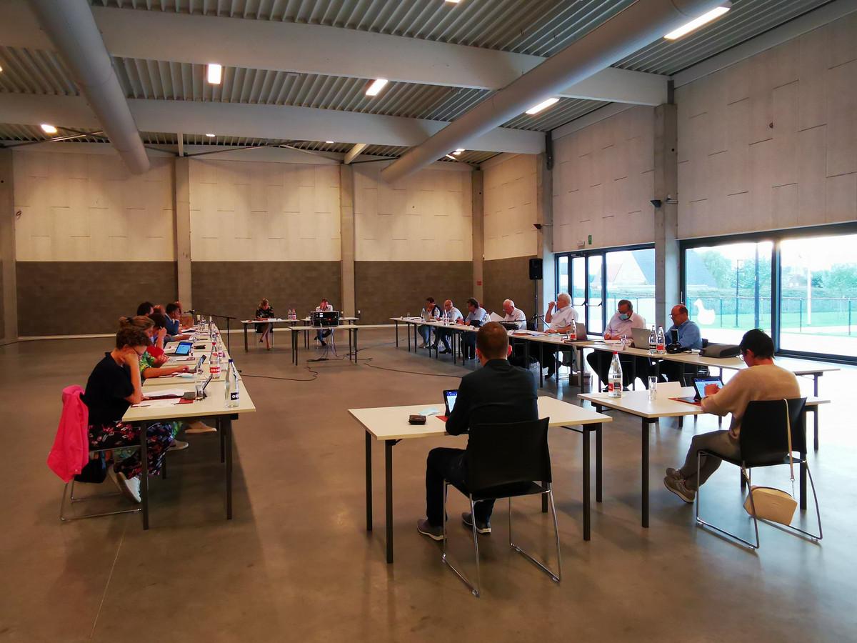 De gemeenteraad van Pittem (toen er nog fysiek vergaderd werd - de raad van mei vond digitaal plaats)