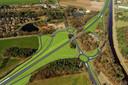 Zo moet de aansluiting van de Balkerweg bij Ommen (onder het viaduct door) op de N48 eruit komen te zien. Met twee rotondes, om de huidige onoverzichtelijke situatie met kruisend verkeer te verbeteren. Het verkeer dat links onderin de afbeelding komt rijden komt uit zuidelijke richting.