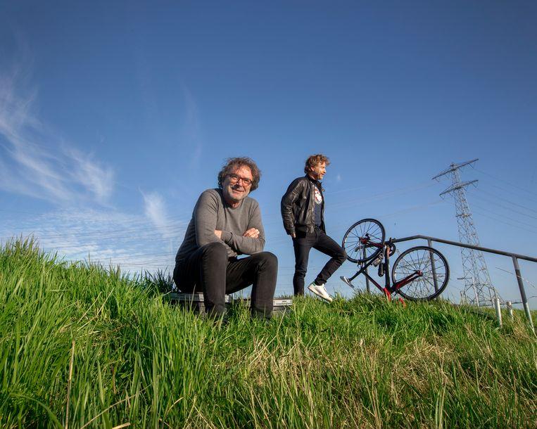 Schrijver Bert Wagendorp (links) en muzikant JW Roy: 'Dit project is zeker geen verheerlijking van Armstrong.' Beeld Maartje Geels