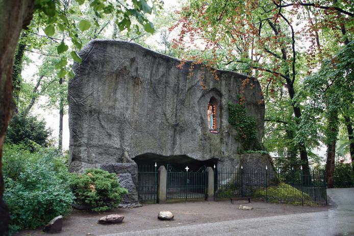 De Lourdesgrot in Luttenberg
