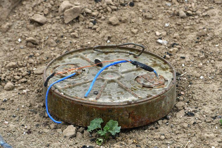 Her en der op het terrein liggen landmijnen.