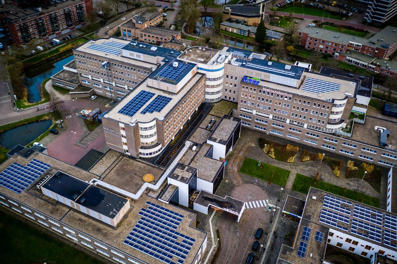 Luchtfoto van het Beatrixziekenhuis.