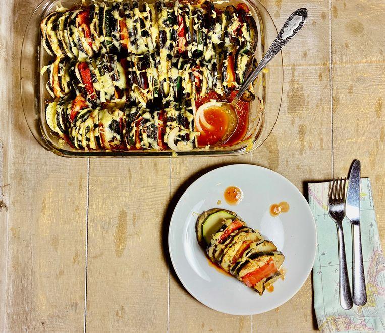 Ovenschotel met veel aubergine.   Beeld Tallina van den Hoed