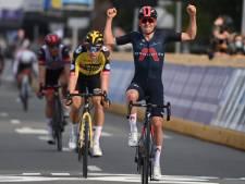 Pidcock verrast topfavoriet Van Aert in Brabantse Pijl, Schelling knap vierde