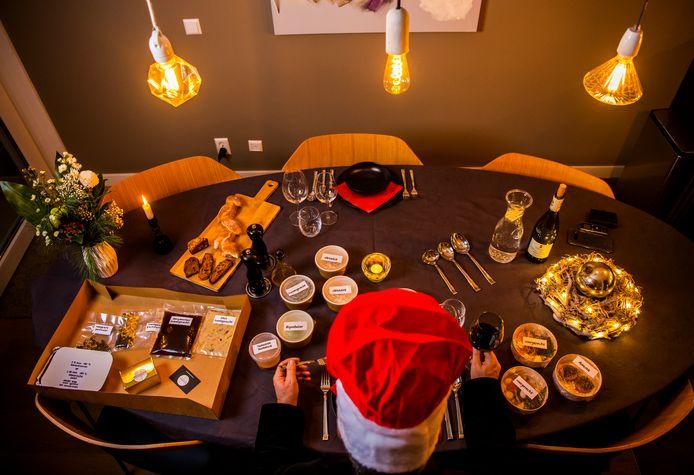 Onze recensent van De Goudsen Pollepel, Hans Pfauth, kookt thuis vijf gangen. En niet zomaar vijf gangen: hij kookt het thuismenu van De Bistronoom in Woerden. Dé vervanger voor een restaurantbezoek tijdens kerst.