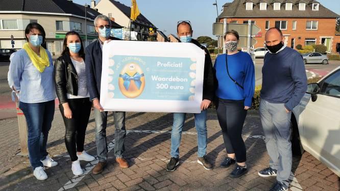 """Gerrit en Mieke winnen 500 euro aan winkelplezier in Vlezenbeek: """"Ik brak tot 's avonds laat mijn hoofd over de zoektocht"""""""
