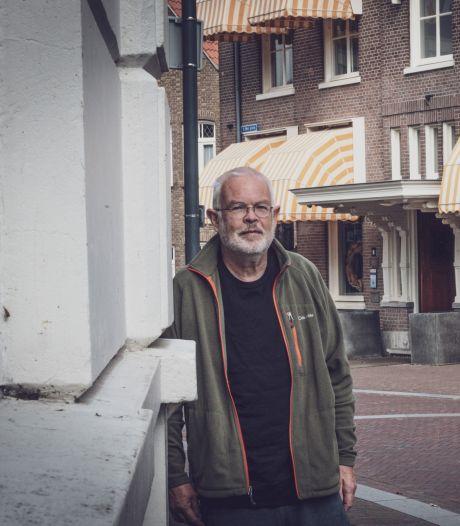 Jan woont tegenover Hotel De Wereld: 'Ik zorg altijd dat ik thuis ben voor de bevrijdingsfeesten'