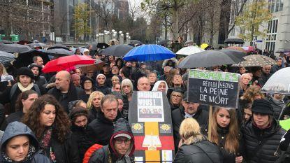 400 mensen verzamelen voor zwarte mars door Brussel, exact 23 jaar na witte mars