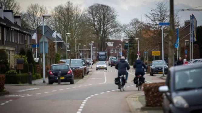 Opwettenseweg Nuenen krijgt extra stuk riool om hevige regenbuien op te vangen