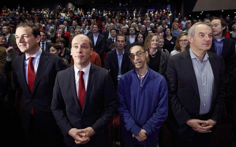 (vlnr) Lodewijk Asscher, PvdA-fractievoorzitter Diederik Samsom, partijbestuurder Fouad Sidali en oud-partijleider Job Cohen tijdens een PvdA-congres in Breda. Beeld ANP