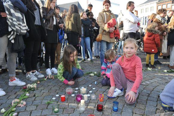 Drie jaar geleden vond op de Mechelse Grote Markt al eens een wake voor de slachtoffers van de aanslagen in Brussel en Zaventem plaats.