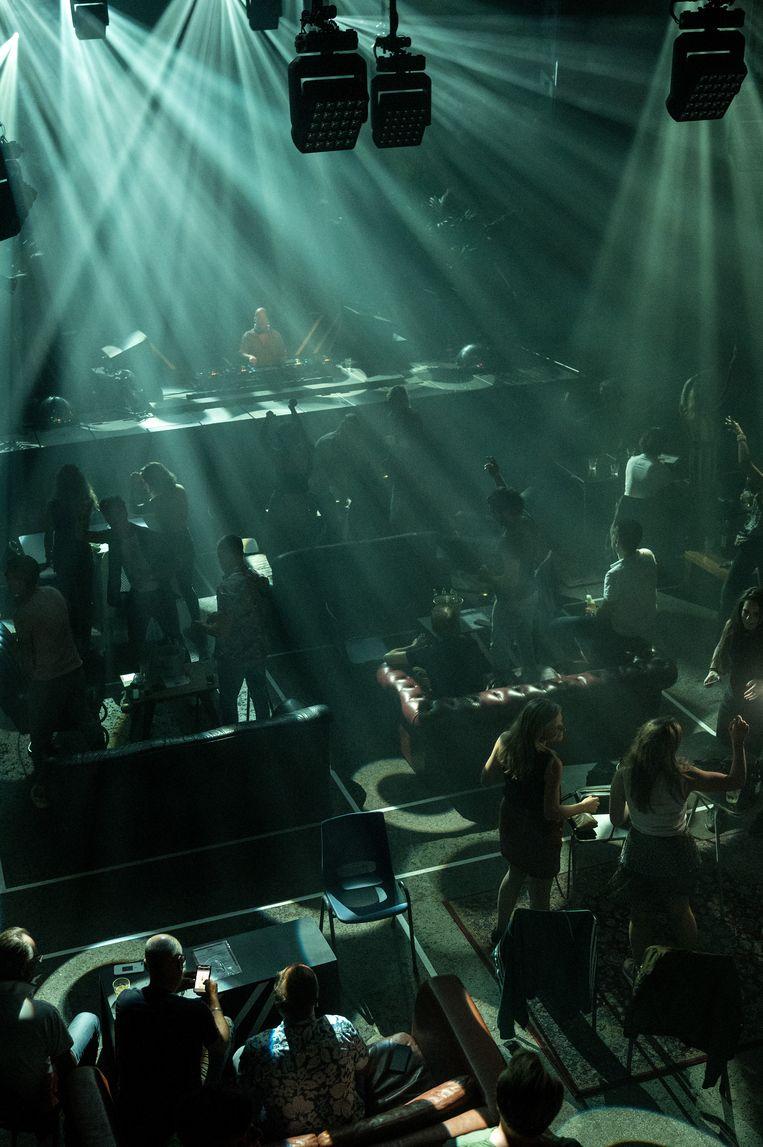 Anderhalvemeterclubavond in De Marktkantine in Amsterdam. Beeld Maarten van der Kamp