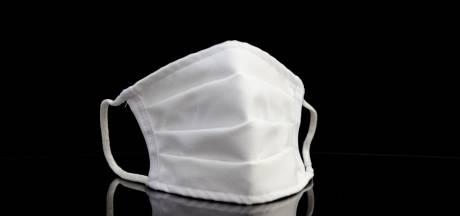 Les fonctionnaires fédéraux vont recevoir 5 masques supplémentaires