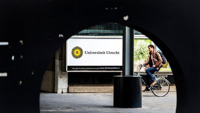 Een bord van de Universiteit Utrecht op het Utrecht Science Park De Uithof.