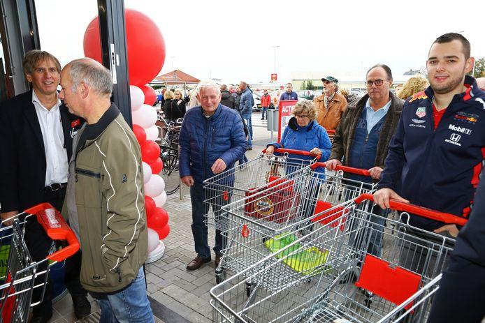 Vomar heeft dit jaar een vestiging geopend in Ter Aar. De supermarkt is in een reclameborenoorlog verwikkeld met concurrent Dirk.
