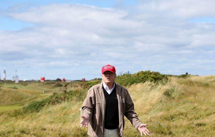 Donald Trump op zijn eigen golfbaan Turnberry in 2015, nog voor hij president werd.
