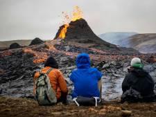 Éruption en Islande: le Fagradalsfjall livre des images spectaculaires... et des saucisses bien cuites