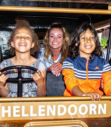 Inge de Bruijn geeft startsein aan Heppie Tour in Avonturenpark Hellendoorn