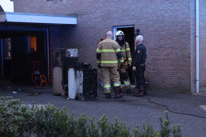 Vermoedelijk is de brand ontstaan door elektrische apparatuur.