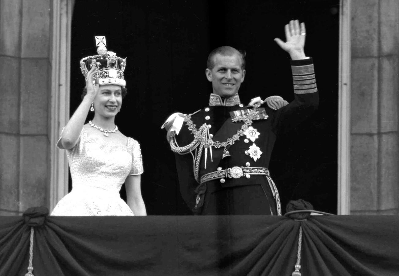 Elizabeth en Philip tijdens hun trouwdag in 1947.