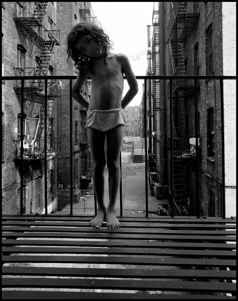 New York City, East 100th Street (1966)  Beeld © Bruce Davidson / Magnum Photos