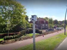 Deze flitspaal pakt al 4 jaar lang elke dag 75 hardrijders in Putten: hoe nuttig is dat?