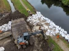 Er kan bijna weer gewandeld worden over de verwoeste Zomerdijk; herstel is begonnen