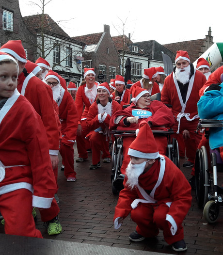 Recordaantal deelnemers bij Santa Run in Lochem