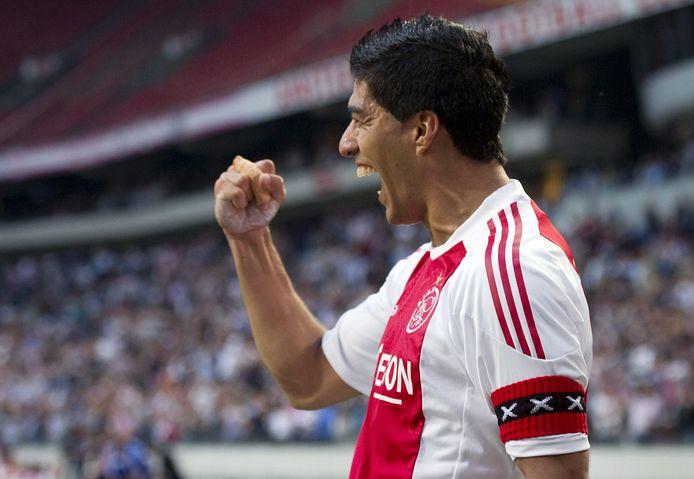 Luis Suarez scoorde in zestien speelrondes in het seizoen 2009/10 een keertje vaker dan Giakoumakis (17).