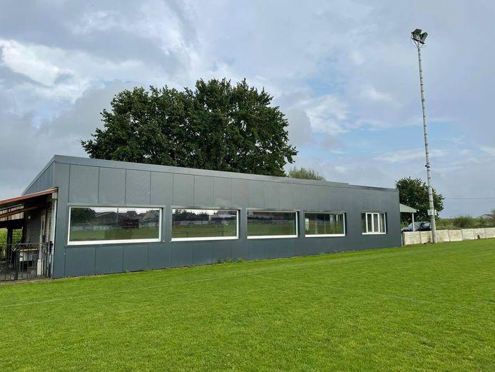 De voetbalclub van Bunsbeek intussen al haar kantine volledig gerenoveerd.