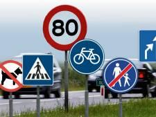 Gemeenten in Oost-Nederland verwijderen massaal overbodige verkeersborden