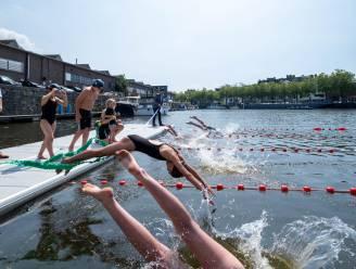 """Eerste zwemmers duiken Keerdok in: """"Fantastisch, en een beetje nostalgie"""""""