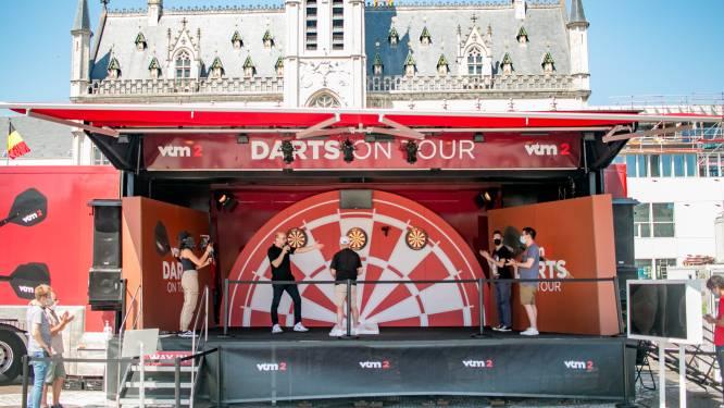 Mikken op reis naar Tenerife: VTM 2 komt met 'Darts On Tour' naar Grote Markt