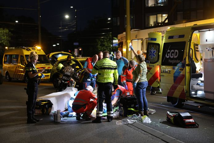 Vanavond is een fietser gewond geraakt bij een ongeval op de Jan van der Heijdenstraat.