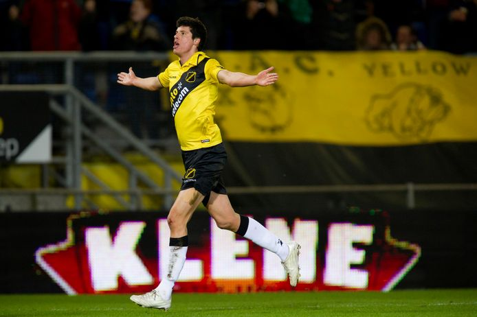 De NAC-supporters herinneren zich liever de twee puike goals die Stipe Perica maakte tegen Ajax dan de historische goal in de Conference League.