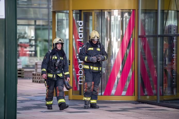 Brandweer verlaat het pand aan de Ambonstraat
