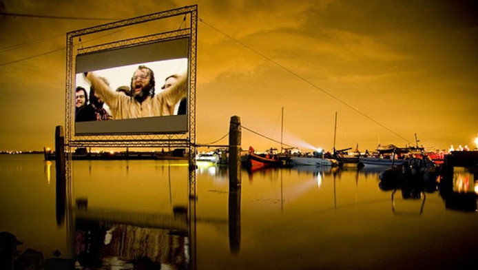 Outdoor Cinema organiseerde voorgaande jaren ook een Drijf In bioscoop bij Pampus.