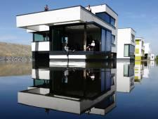 Olaf en Miranda verruilen het zoete water bij hun villa voor het zoute: 'Wonen aan zee was altijd een droom'