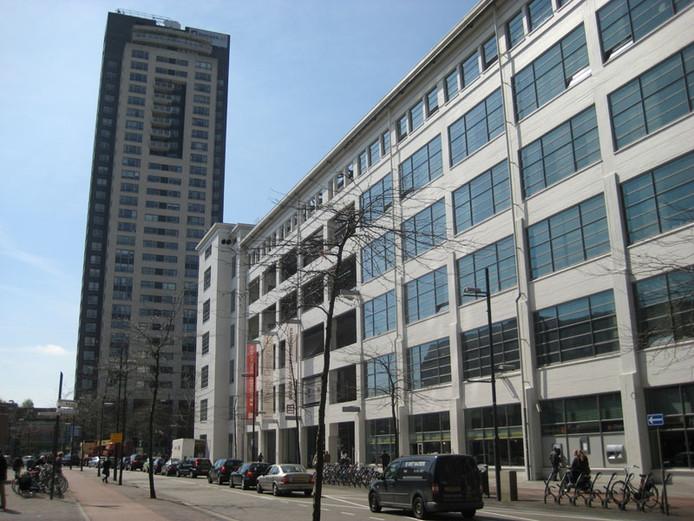 De Design Academy in de Witte Dame aan de Emmasingel in Eindhoven met op de achtergrond de Regent.