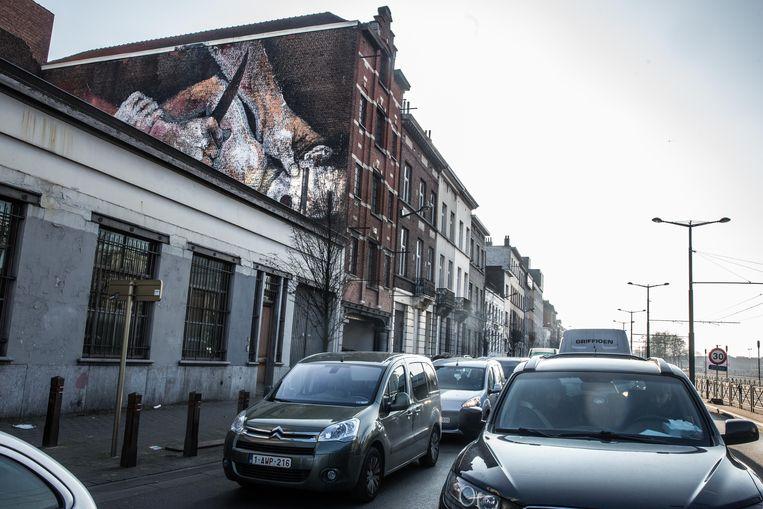 De 'onthoofdingsmuur' in de Barthélémylaan in Brussel. Beeld Bas Bogaerts