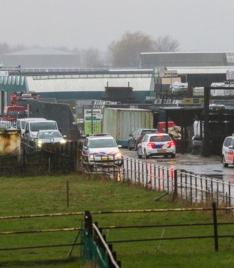 Politie kamt polder Bergschenhoek uit: opslag voor drugsstoffen gevonden
