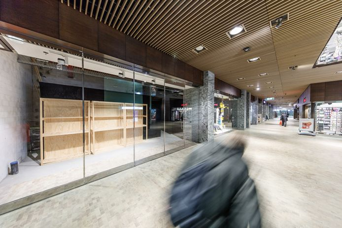 De NS, ProRail en de gemeente Breda dragen zorg voor de veiligheid in en bij het nieuwe station. De NS vraagt de camerabeelden mee af te lezen.